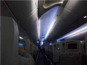 787機内