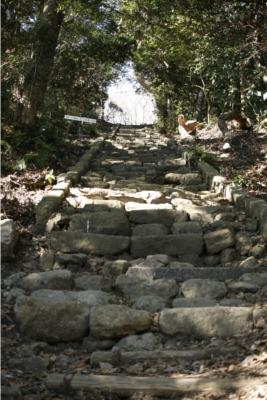 大堂への石段