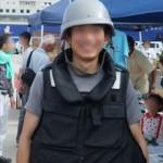 ヘルメットと防弾チョッキ